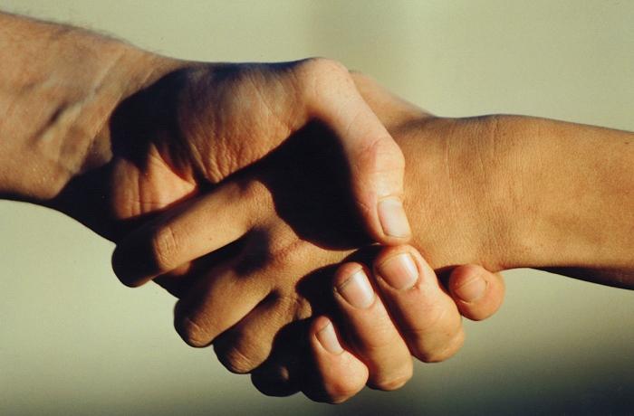 hand-shake-1241578